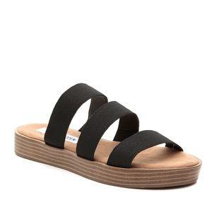 New Never Worn Steve Madden Strappy Sandals